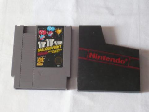 Photo du jeu Balloon Fight sur Nintendo Entertainment System (NES).