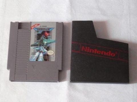 Photo du jeu Gradius sur Nintendo Entertainment System (NES).